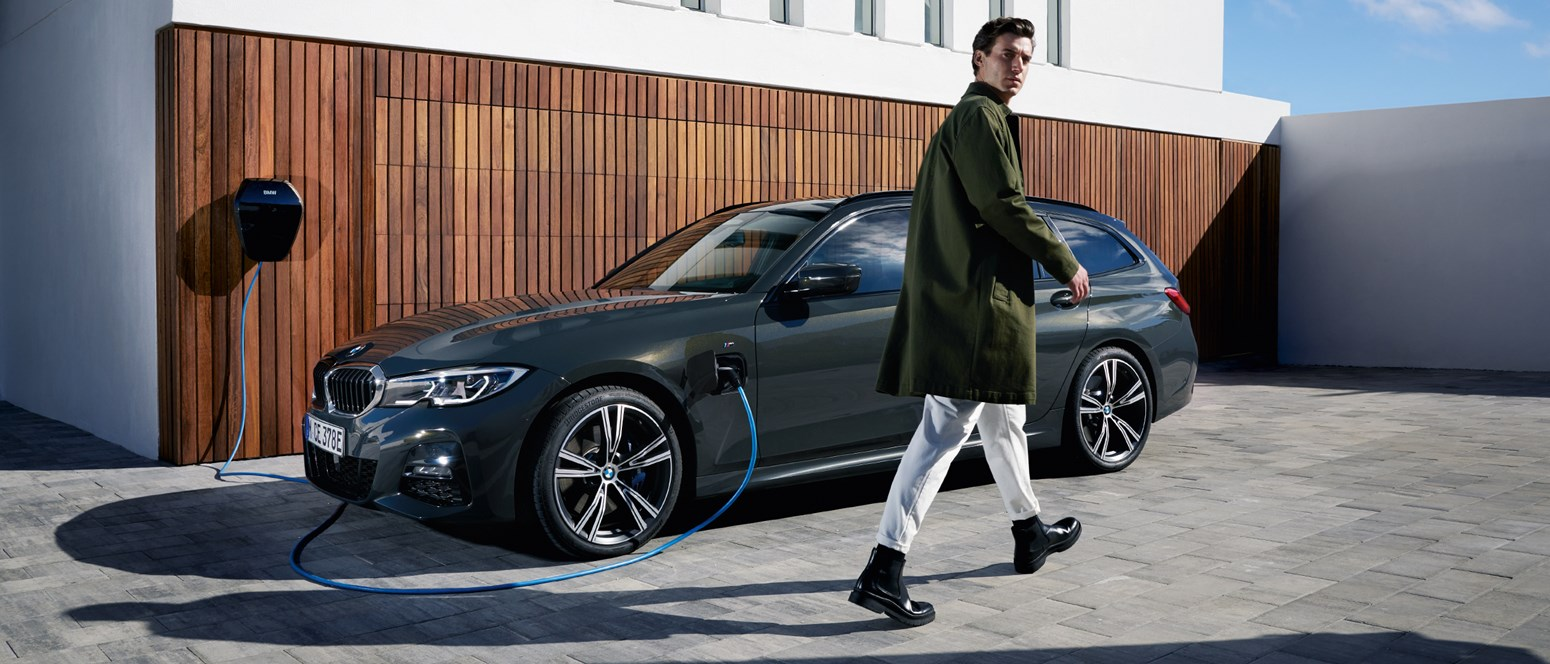 BMW 3Touring PHEV Gallery 2440X1373 A